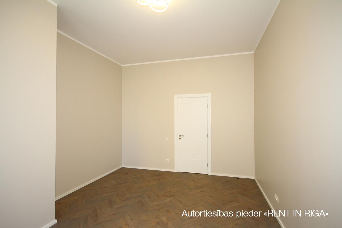 Pārdod dzīvokli, Strēlnieku iela 19 - Attēls 1