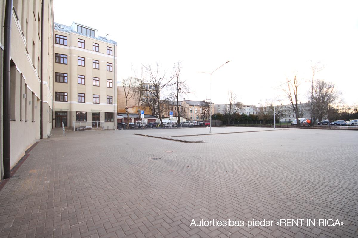 Retail premises for sale, E.Birznieka Upīša street - Image 1