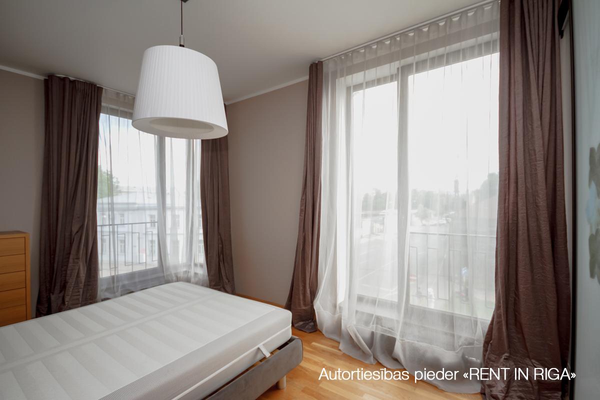 Pārdod dzīvokli, Maskavas iela 16 - Attēls 1