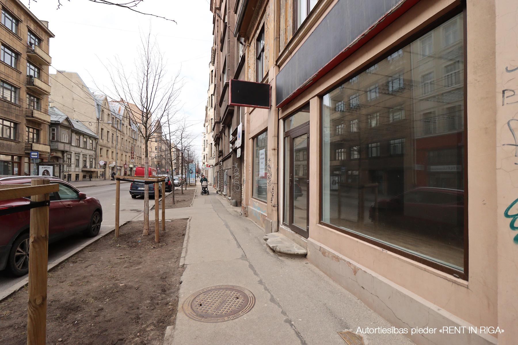 Pārdod tirdzniecības telpas, Ģertrūdes iela - Attēls 1