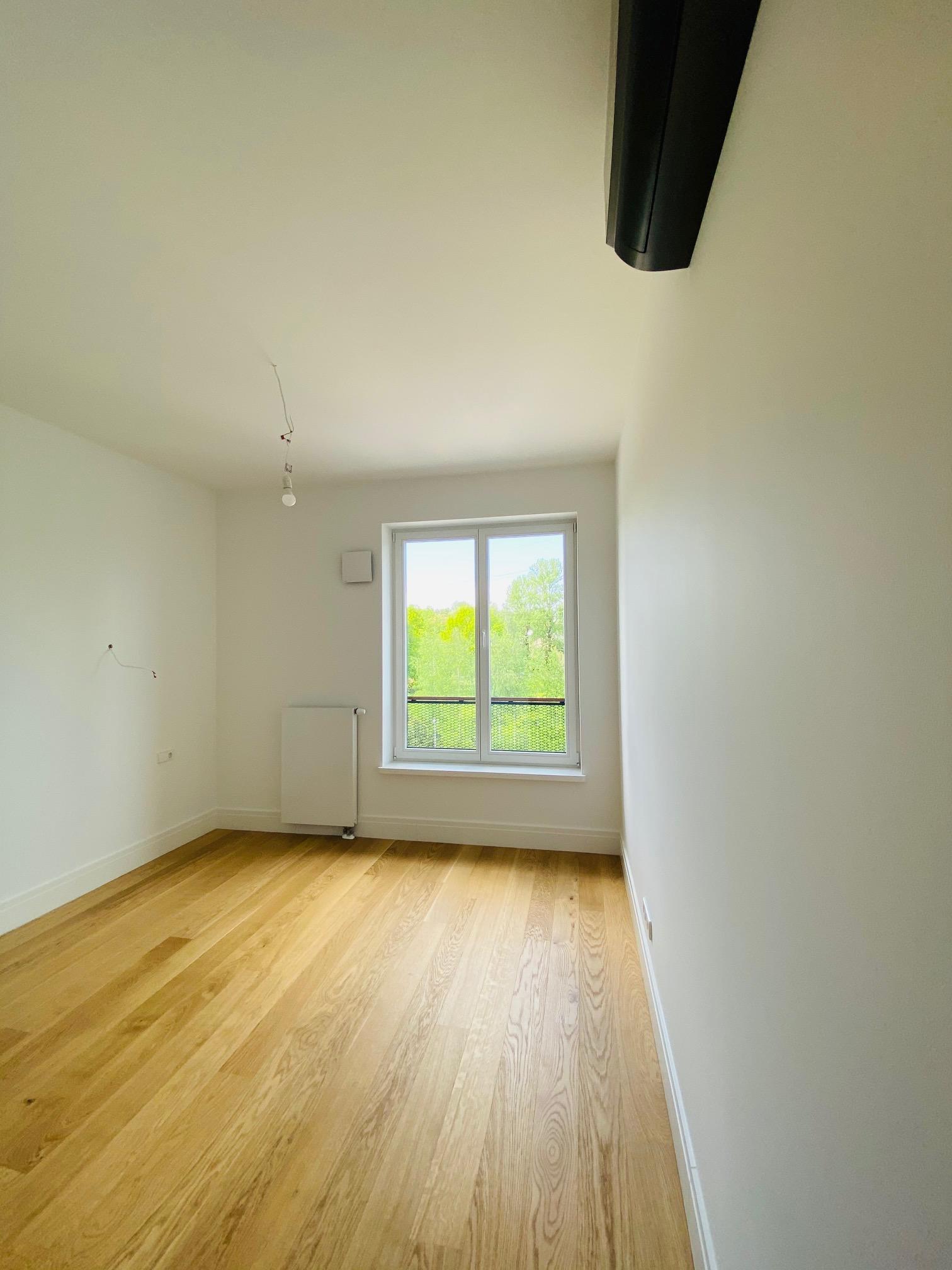 Pārdod dzīvokli, Jaunā Mežaparka iela 36 - Attēls 1