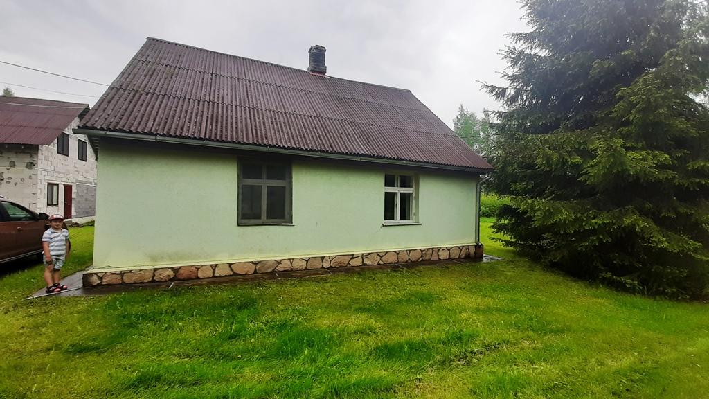 Pārdod māju, Celmiņi - Attēls 1