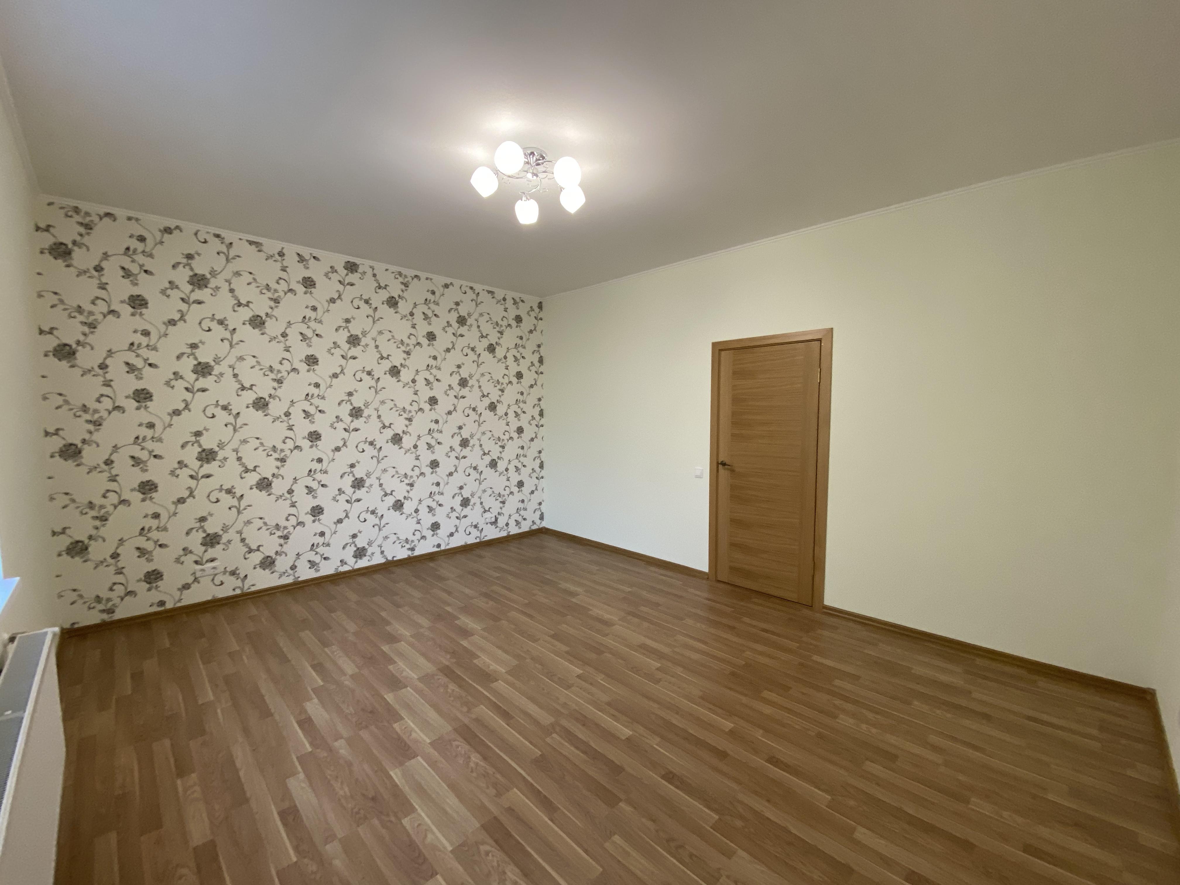 Pārdod dzīvokli, Viestura prospekts iela 85 - Attēls 1