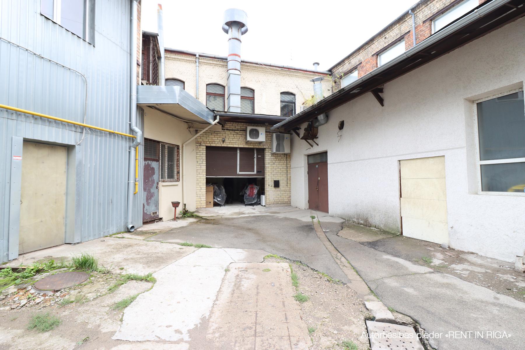 Iznomā tirdzniecības telpas, Krišjāņa Barona iela - Attēls 1