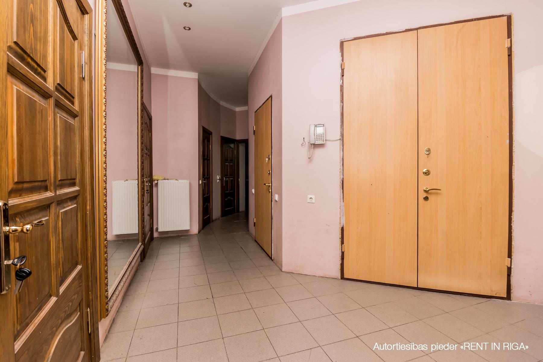 Pārdod dzīvokli, Lāčplēša iela 70b - Attēls 1