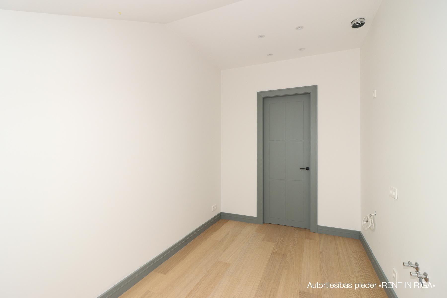 Pārdod dzīvokli, Čaka iela iela 30a - Attēls 1