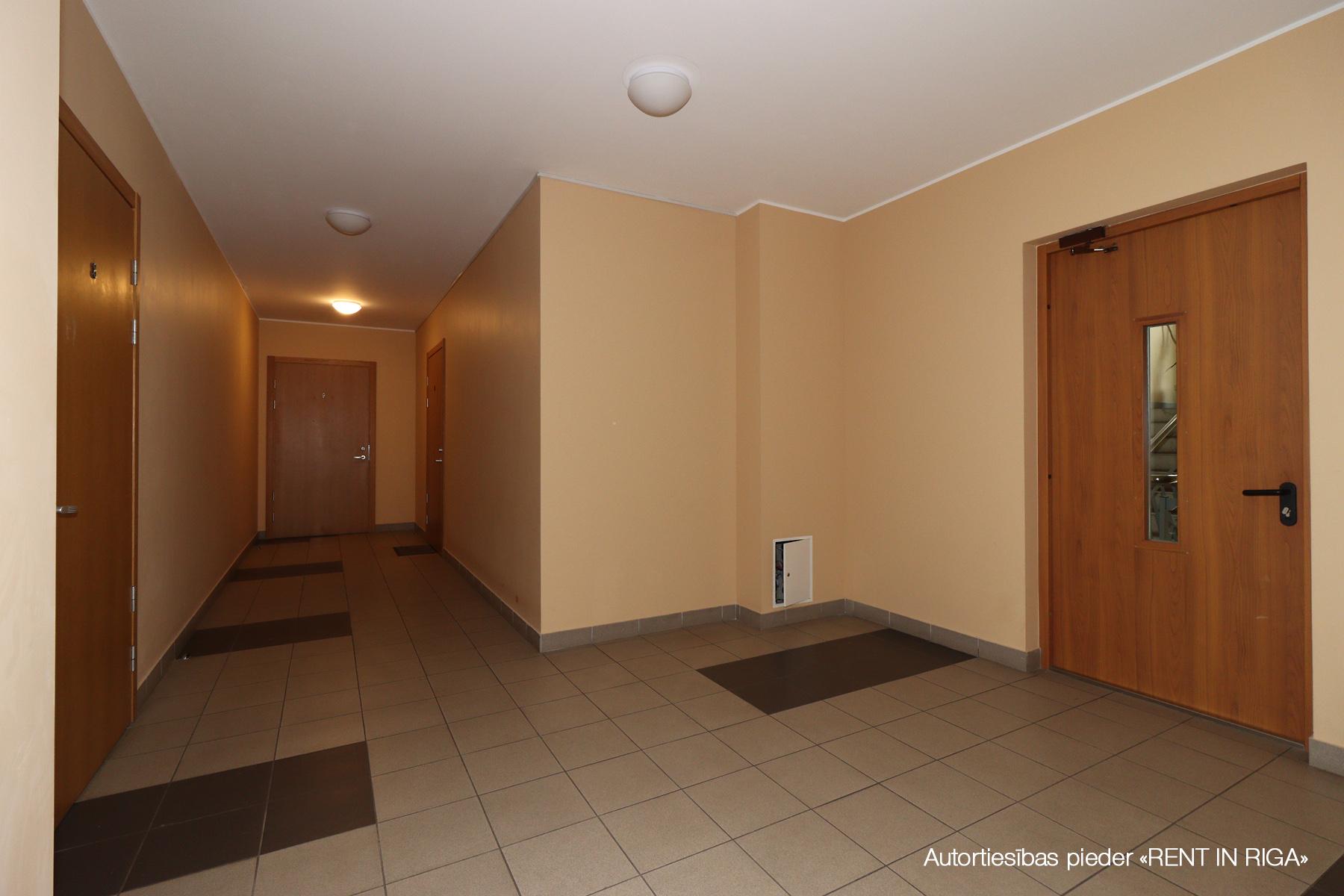 Pārdod dzīvokli, Liesmas iela 4 - Attēls 1