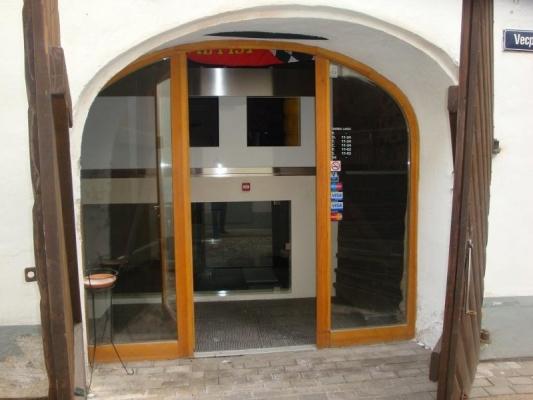 Retail premises for sale, Vecpilsētas street - Image 1