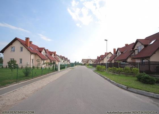 Pārdod māju, Veczariņu iela - Attēls 2