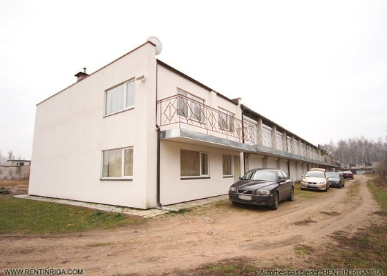 Pārdod māju, Dzintaru iela - Attēls 1