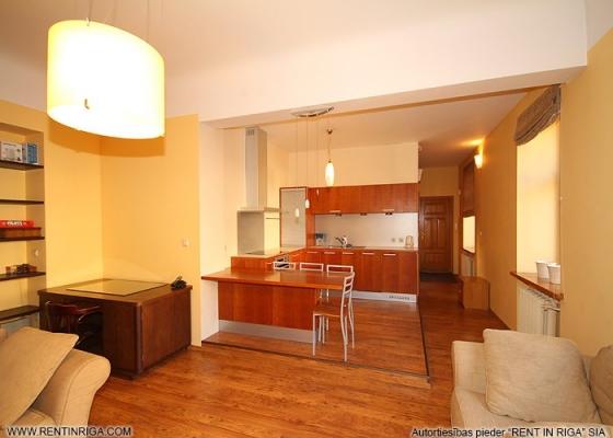 Apartment for rent, Blaumaņa street 21 - Image 1