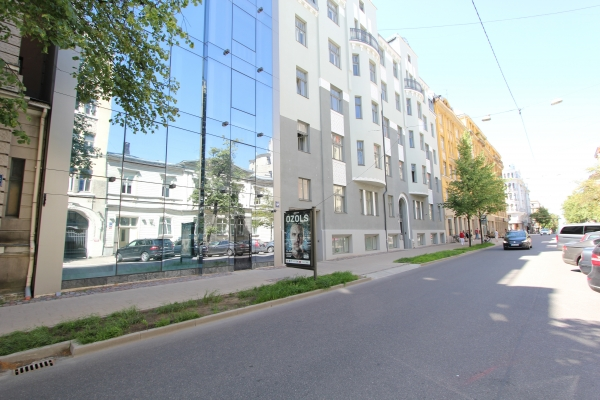 Retail premises for sale, Stabu street - Image 1