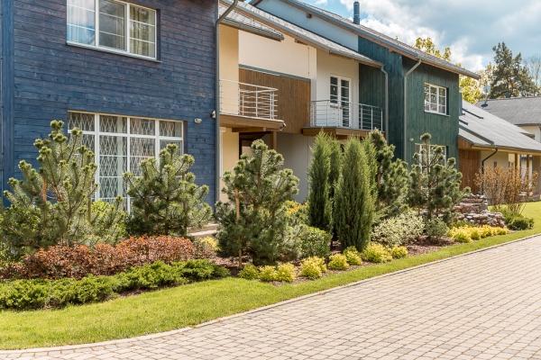 Pārdod māju, Zaļā iela - Attēls 1