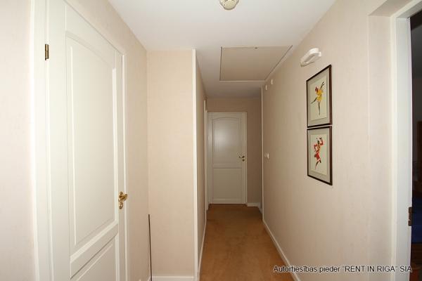 Pārdod māju, Rožu iela - Attēls 24