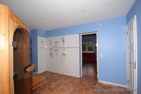Pārdod māju, Rožu iela - Attēls 32