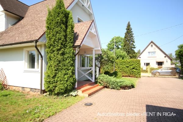 Pārdod māju, Rožu iela - Attēls 3