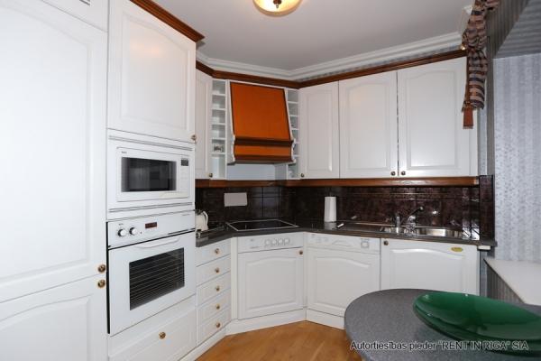 Pārdod namīpašumu, Anglikāņu iela - Attēls 39