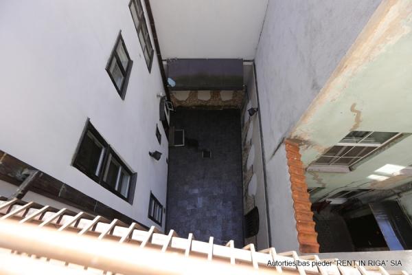 Pārdod namīpašumu, Anglikāņu iela - Attēls 43
