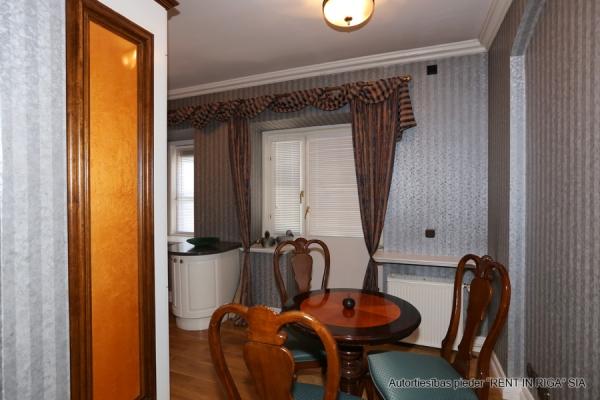 Pārdod namīpašumu, Anglikāņu iela - Attēls 40