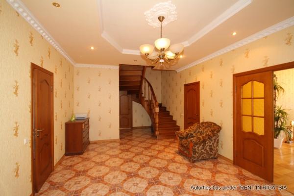 Pārdod māju, Emīlijas iela - Attēls 13