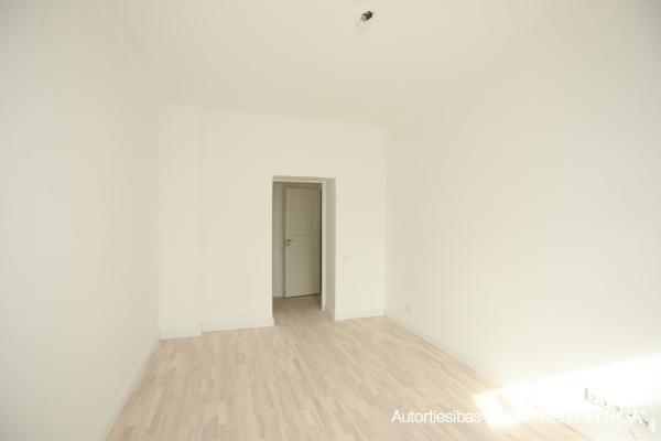 Pārdod dzīvokli, E.Birznieka Upīša iela 10 - Attēls 7