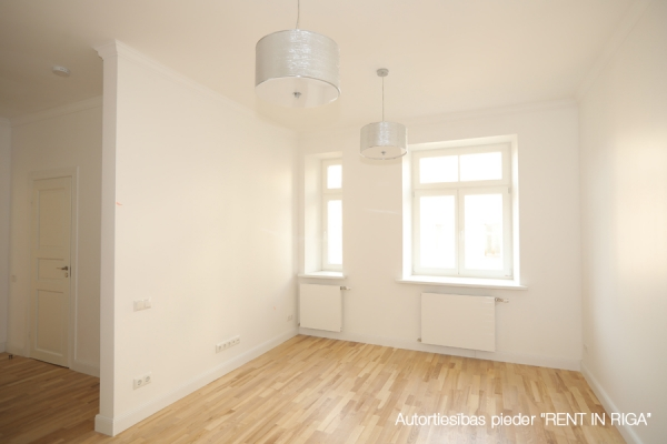 Продают квартиру, улица E.Birznieka Upīša 10 - Изображение 2