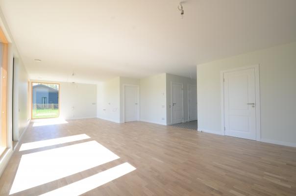 Pārdod māju, Laivu iela - Attēls 13