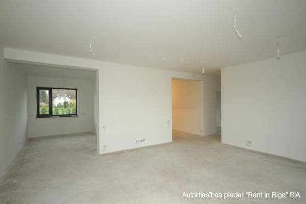 Pārdod māju, Mazā iela - Attēls 4