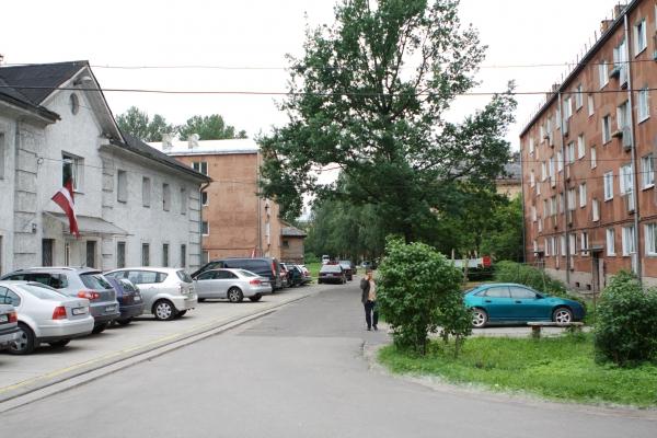 Pārdod zemi, Katrīnas dambis iela - Attēls 9