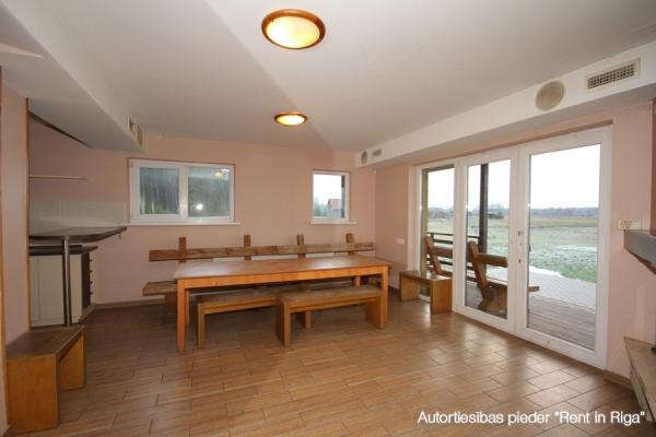 Pārdod māju, Pūrmaliņas - Attēls 9