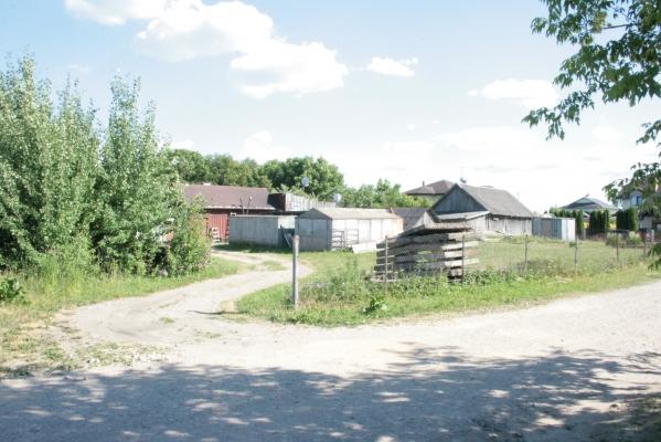 Pārdod zemi, Vasaras iela - Attēls 3
