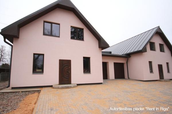 Pārdod māju, Ēnas iela - Attēls 1