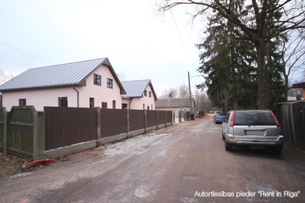 Pārdod māju, Ēnas iela - Attēls 7