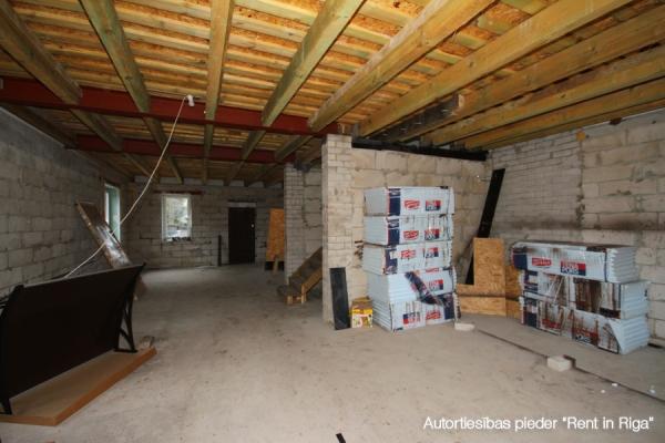 Pārdod māju, Ēnas iela - Attēls 11