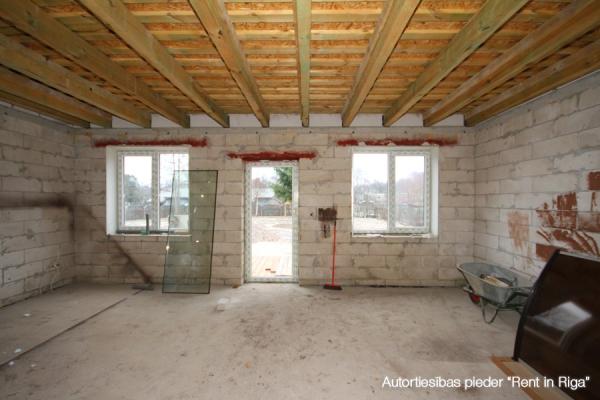 Pārdod māju, Ēnas iela - Attēls 13