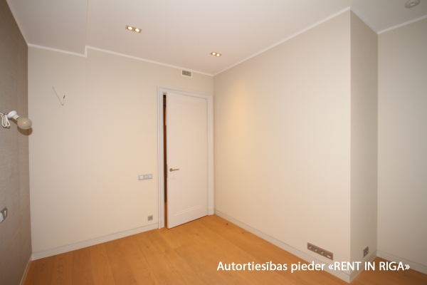 Продают квартиру, улица Lāčplēša iela 11 - Изображение 4