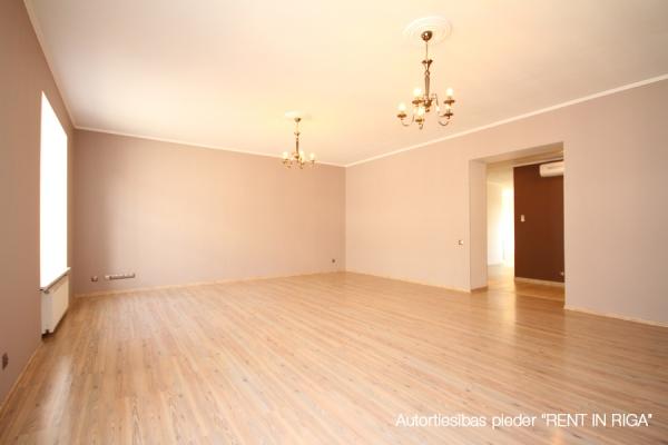 Izīrē dzīvokli, Kr. Valdemāra iela 18 - Attēls 2