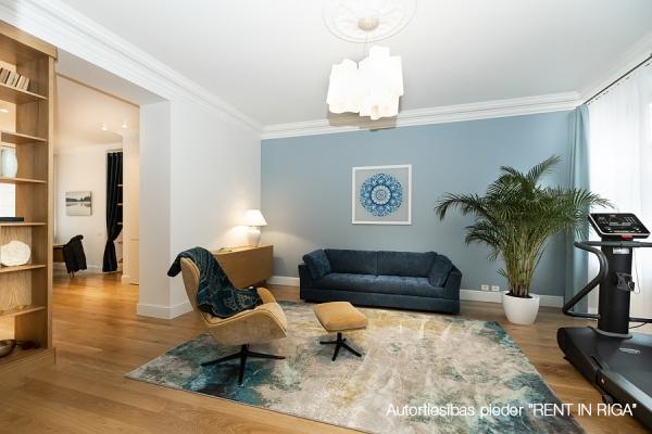 Продают квартиру, улица Dzirnavu 60A - Изображение 1
