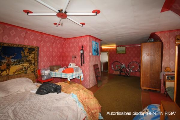 Pārdod māju, Kļavas iela - Attēls 9