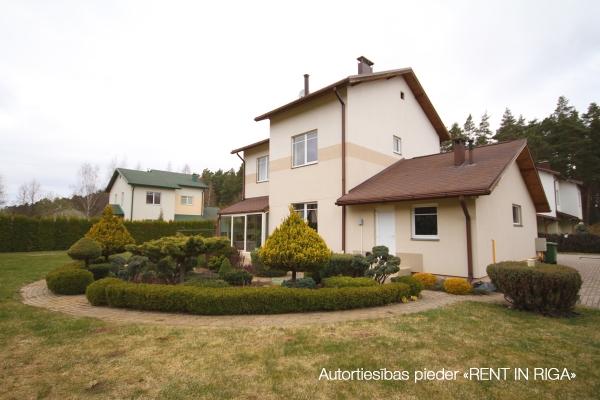 Pārdod māju, Avotu iela - Attēls 2