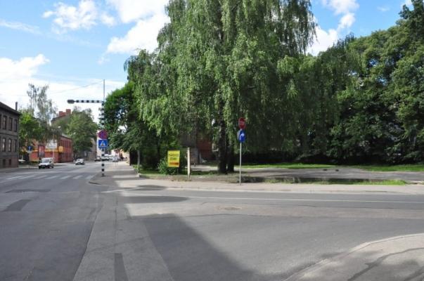 Iznomā tirdzniecības telpas, Lāčplēša iela - Attēls 1