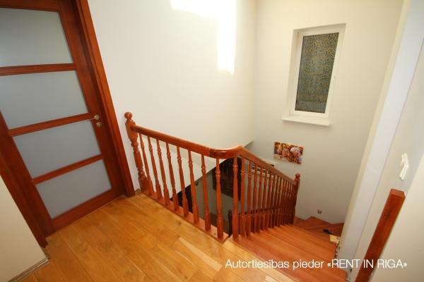 Pārdod māju, Kalna iela - Attēls 9