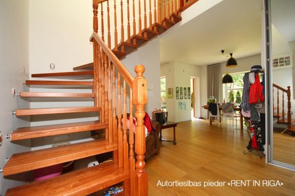 Pārdod māju, Kalna iela - Attēls 8