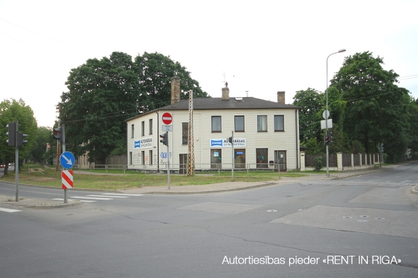 Pārdod māju, Viesītes iela - Attēls 39