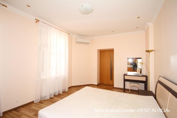 Apartment for rent, Dzirnavu street 70 - Image 4