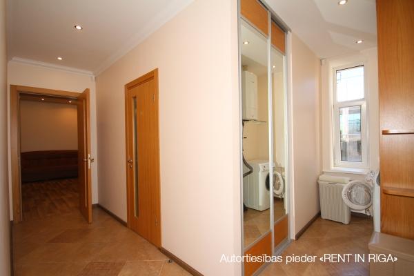Apartment for rent, Dzirnavu street 70 - Image 10