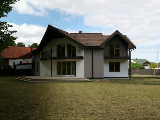 Pārdod māju, Māras - Attēls 1