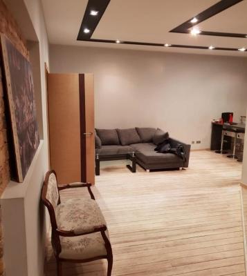 Pārdod dzīvokli, Čaka iela iela 68 - Attēls 1