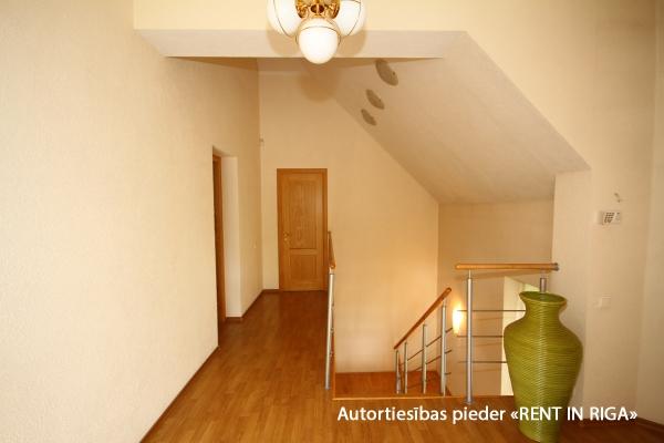 Pārdod māju, Stokholmas iela - Attēls 9
