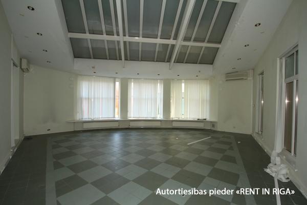 Pārdod namīpašumu, Pils iela - Attēls 24